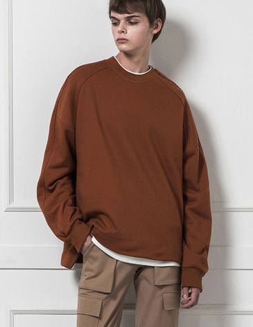 ESSENTIAL BASIC SWEATSHIRT [CAMEL]