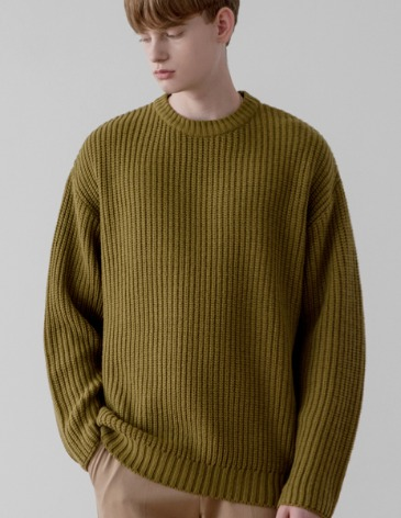 OVER-FIT TEXTURED ROUND KNIT [OLIVE]
