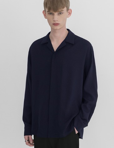 LINEN HIDDEN LOOSE-FIT OPEN COLLAR SHIRTS [NAVY]