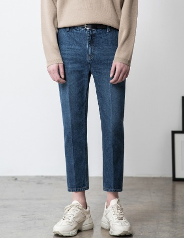 NEWSLO TAPERED CROP DENIM PANTS [MIDDLE BLUE]