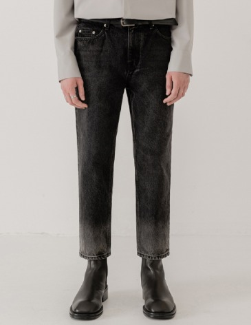 GRADATION STRAIGHT DENIM PANTS [BLACK]