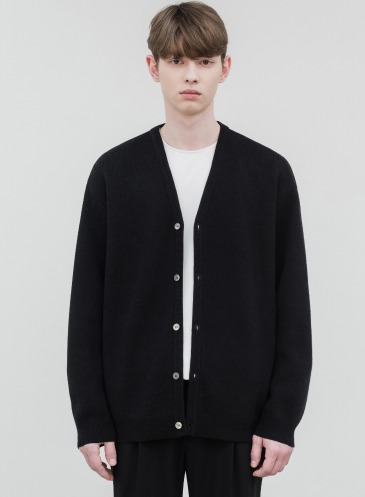 SOF WOOL LOOSE-FIT CARDIGAN [BLACK]