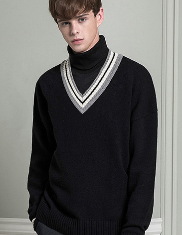 LAMBSWOOL OVERFIT V-NECK KNIT [BLACK]