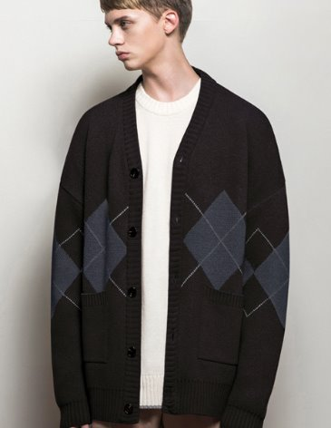 ARGYLE CHECK OVERFIT CARDIGAN [BLACK]