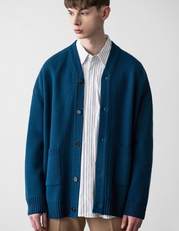 [RE-EDITION]  ESSENTIAL CARDIGAN [BLUE]