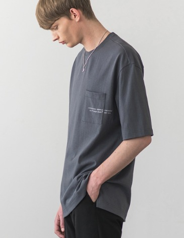 SIGNATURE POCKET T-SHIRT [D.GREY]
