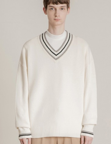 [RE-EDITION] LAMBSWOOL OVERFIT V-NECK KNIT [IVORY]