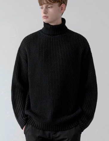 OVER-FIT TEXTURED TURTLE NECK KNIT [BLACK]