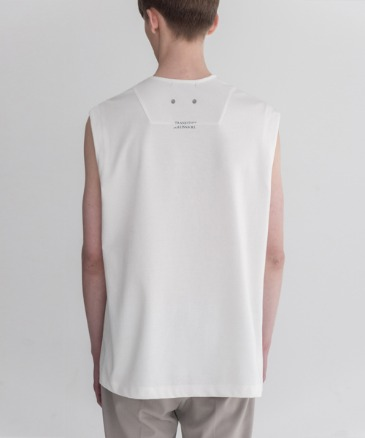 TRANSITION LAYERED SLEEVELESS [WHITE]
