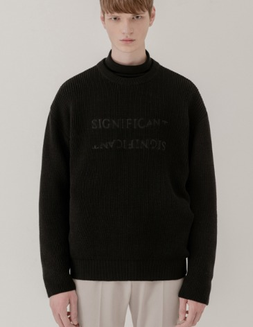 REVERSED LETTERING ROUND KNIT [BLACK]